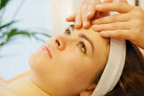Getting Beautiful Skin Image Gallery Extractions can add an element to facials that is more uncomfortable than relaxing. See more pictures of ways to get beautiful skin.