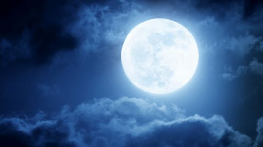 Does the full moon affect your sleep?