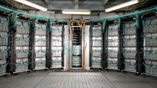 5 Futuristic Trends in Supercomputing