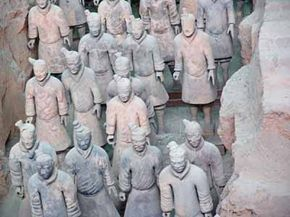 Famous Landmarks Image Gallery Famous landmarks include everything from the fantastic to the elegant, like the Terra Cotta Army in China. See more pictures of famous landmarks.
