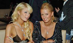 Paris (left) and Nicky Hilton
