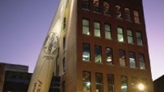Family Vacations: Louisville Slugger Museum and Factory Tour