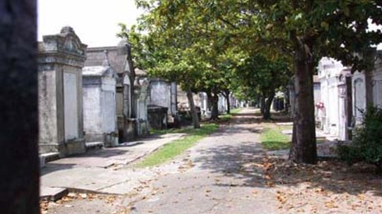 Family Vacations: Spooky Cemeteries and Haunted House Tours