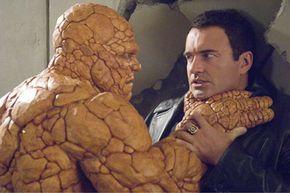 The Thing (Michael Chiklis) confronts Victor von Doom (Julian McMahon).
