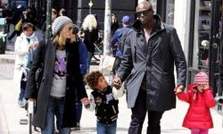 Model Heidi Klum, out with her family in New York, proves you can be stylish while being a mom.