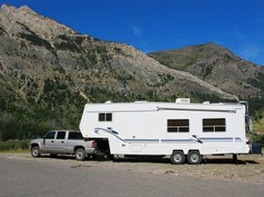 Installing a fifth wheel hitch isn't really all that difficult -- and just look at the size of the trailer you can pull with one, too.