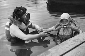 Marine Life Image Gallery Early scuba divers weren't so different than their modern counterparts. See pictures of marine life.