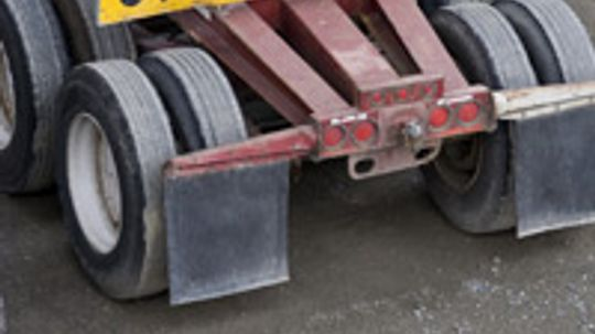 How Flatbed Trailer Towing Works