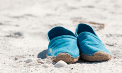 Espadrilles, traditional sandals of Spain and the South of France, are breathable and bright.