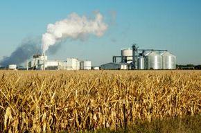 This South Dakota ethanol plant turns corn into burnable fuel.
