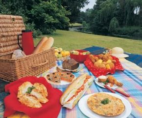 Make your picnic easy and safe by keeping hot and cold foods separate.