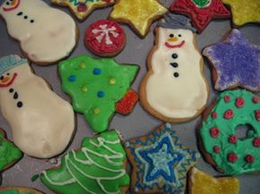 Holiday cookies and other baked goods can be safely shipped for gift giving.