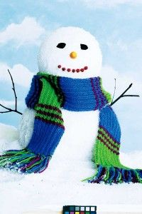 Keeping warm should not be a problem with this great knitted scarf.