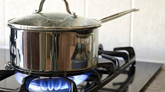 Gas vs. Electric Stoves: Which is really more efficient?