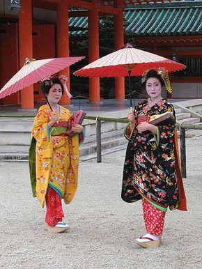 Two apprentice geisha outside Heian Jingu shrine in Kyoto