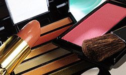 Few fashionistas will turn their noses up at a new makeup palette.