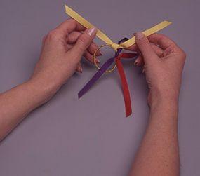 Alternate colors of ribbons.