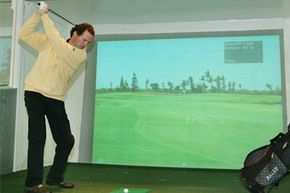 The Golfers Indoor Paradise, the largest indoor golf facility in Germany, offers all year training with golf simulators, putting greens, bunkers and a driving range.