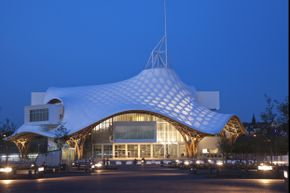 Another project of Shigeru Ban, the Centre Pompidou-Metz in France. Ban, along with Jean de Gastines, designed the modern art museum, which was inaugurated in 2010 by Nicolas Sarkozy. The beams of the funky roof are made of laminated timber.