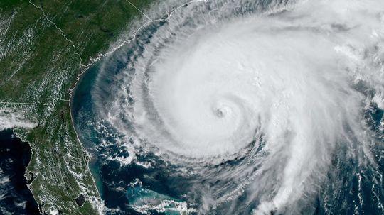 Here's How Scientists Predict the Next Hurricane Season