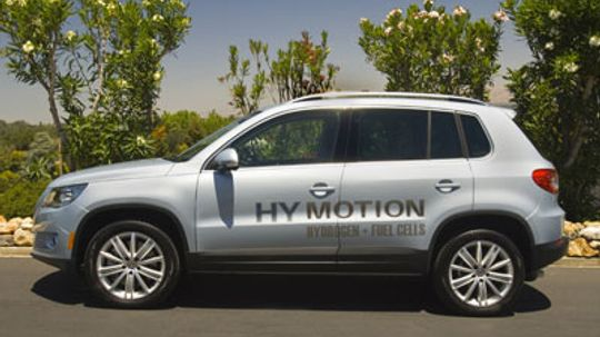 What are the benefits of hydrogen-powered vehicles?