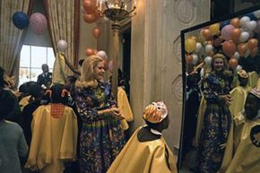 The Nixon White House took advantage of the inherent creepiness of mirrors to turn a stateroom into a funhouse.