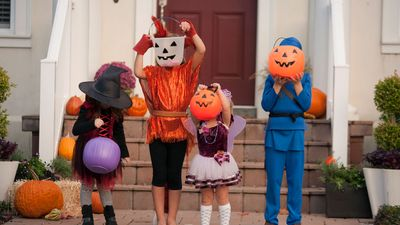5 Halloween Myths That Will Not Die