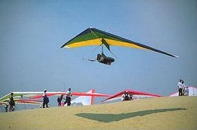 Hang glider over Jockey's Ridge, NC