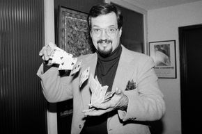 Harry Blackstone, Jr., pictured here in 1980, was the son of famous stage magician The Great Blackstone.
