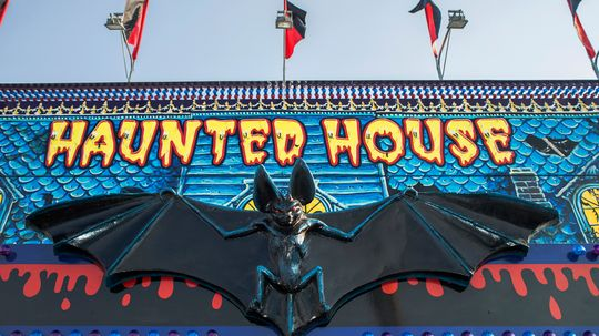 How Haunted Houses Work