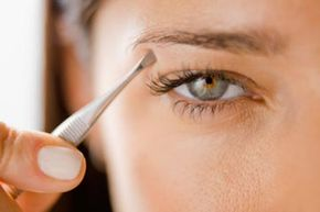 Almost any eyeshadow color will complement hazel eyes.