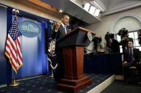 U.S. President Barack Obama announced on Nov. 14, 2013 that canceled insurance plans could be renewed for a year.