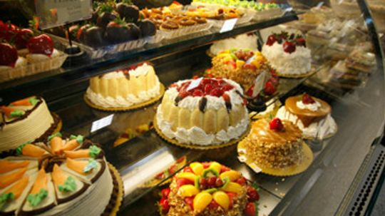 Healthy Splurge: What's the Healthiest Cake in the World?