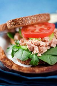 Heart-healthy tuna sandwich featuring spinach and whole-wheat bread