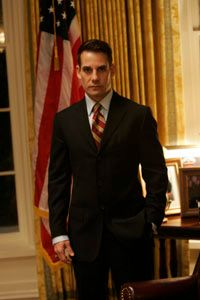 """Adrian Pasdar as Nathan Petrelli in the """"Five Years Gone"""" episode"""