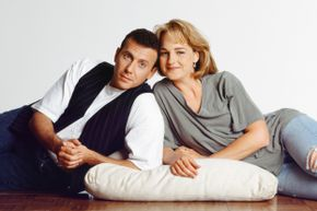"Helen Hunt and Paul Reiser fought for a huge pay raise as the stars of ""Mad About You"" and won."