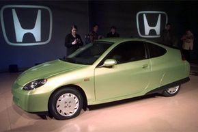 Honda unveiled its Insight hybrid car at the 1999 North American International Auto Show in Detroit. But the Insight wasn't the first hybrid car on the road. See more pictures of hybrid car models.