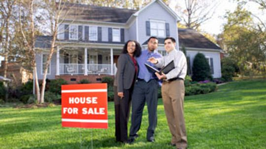 Do you need to contact your homeowners association when selling your house?