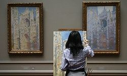 Go-anywhere hobbies, like painting, are perfect for moms who are constantly on the move.