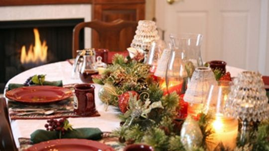 How to Host a Holiday Potluck