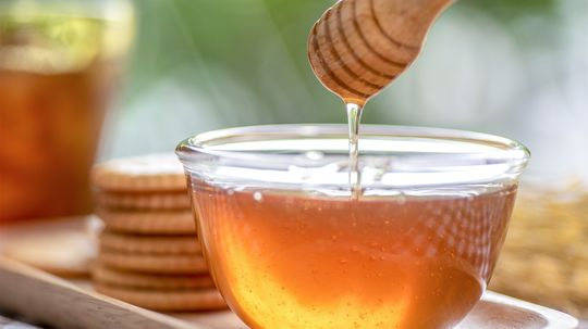 5 Sweet and Healthy Uses for Honey
