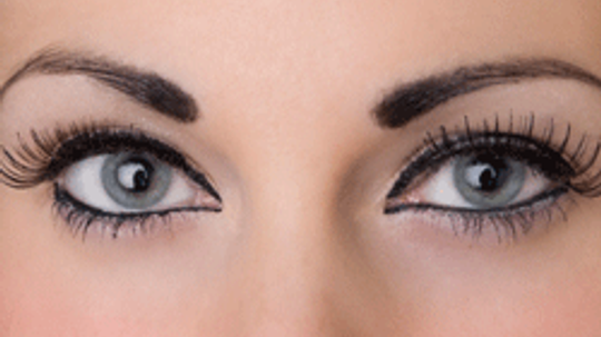 How to Apply Single Eyelashes in 5 Steps