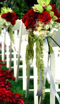 Learn how to make regal cascading bouquets.
