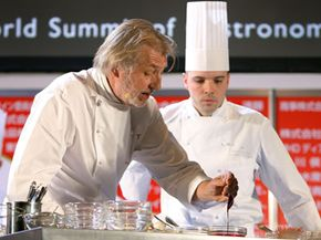 French chef Pierre Gagnaire demonstrates during the World Summit of Gastronomy 2009 at the Tokyo International Forum on Feb. 9, 2009.