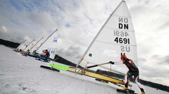 How Ice Sailing Works