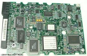 The birth of the IDE interface led to combining a controller like this one with a hard drive.