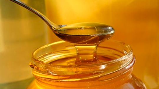 Is honey the same as sugar?