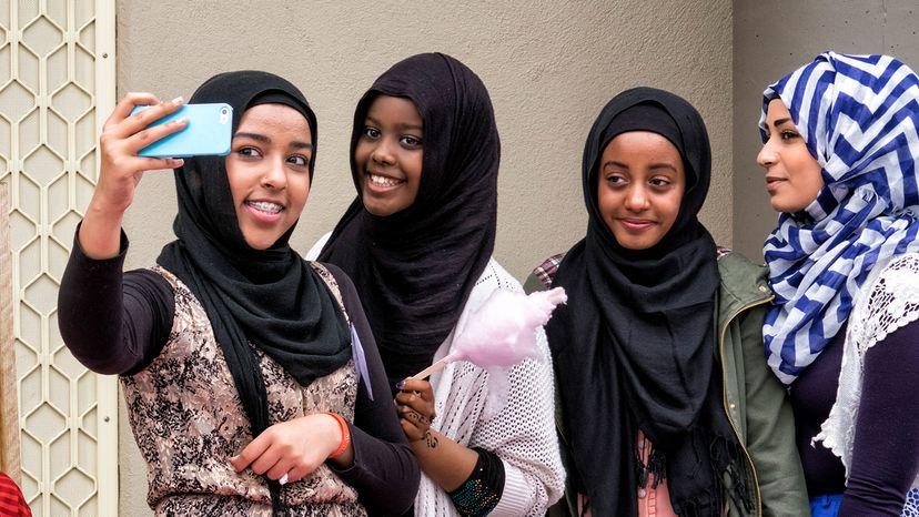 girls, selfie, mosque, Australia