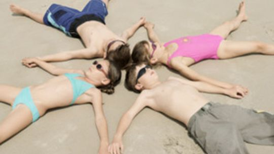 Should you let your kids invite friends on vacation?