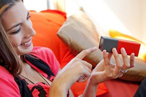 Lytro cameras have a simple touch-screen interface and LCD display.